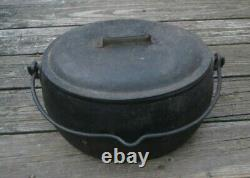 1800's S & P Cast Iron 2 1/2 Gal. Oval Pot with Lid Gate Mark