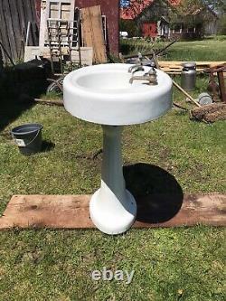 Antique Standard Porcelain Cast Iron Oval Fluted Pedestal Sink