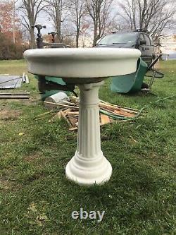 Great Fluted Oval Antique Cast Iron Porcelain Pedestal Bathroon Sink Elegant
