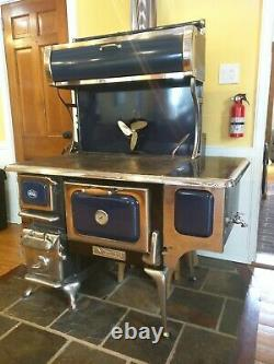 Heartland Oval Wood Burning Cooking Stove with Water Reservoir