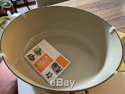 LE CREUSET #33 Stunning Soleil Yellow Color Oval Dutch Oven 8 QT NEW