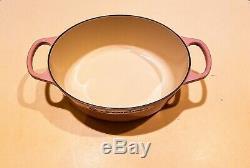 Le Creuset 3.5 Qt. Oval Dutch Oven. Chiffon Pink, Signature piece
