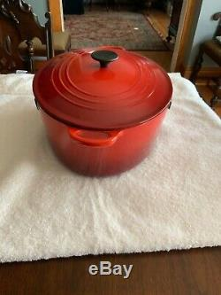 Le Creuset 9.5 Quart Oval Dutch Oven New without Box Red
