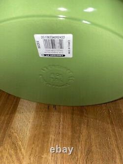 Le Creuset Palm Oval Cast Iron/Dutch Oven 8 Qt (33cm) New without Box