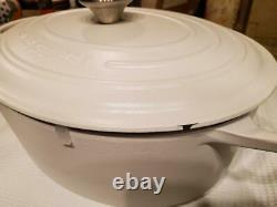 Le Creuset SIGNATURE Cast Iron OVAL Dutch Oven 6-3/4 Qt MATTE WHITE REDUCED