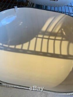 NEW Le Creuset Cast Iron 3.5 quart OVAL FLEUR French Oven Cocotte MATTE WHITE