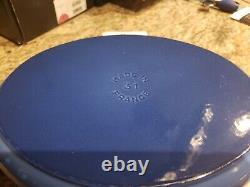 Staub 5.75-Quart (31) Cast-Iron Coq Au Vin/ Oval Dutch Oven withRooster Knob, blue